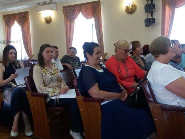 «Это жлобский язык»: Одиозный депутат резко отказался выступать на украинском