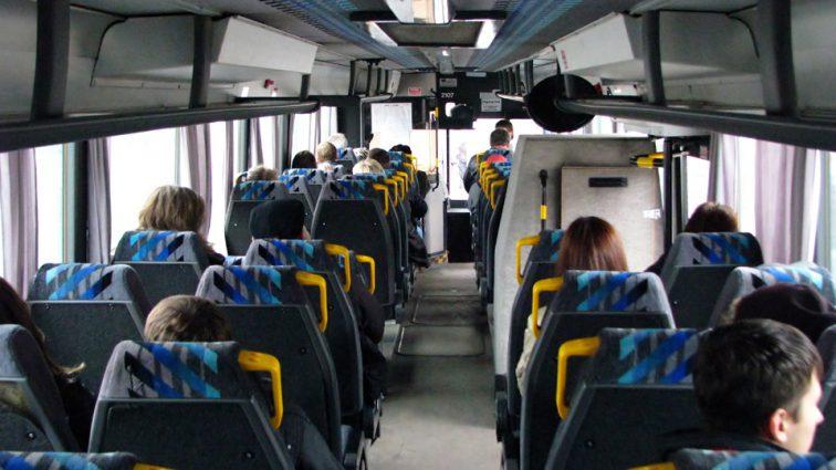«Одной рукой делал это, а другой держал руль»: Водитель автобуса удовлетворял себя неестественным способом прямо во время движения