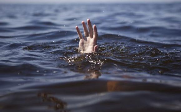 «Нырнул под воду и больше не выплыл»: Мужчина пожертвовал собой ради спасения 3 детей