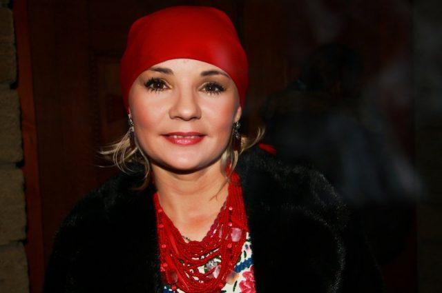 «За прием берет в долларах, политикам не отказывает»: Как живет самая известная мольфарка страны, Магдалена Мочиовски