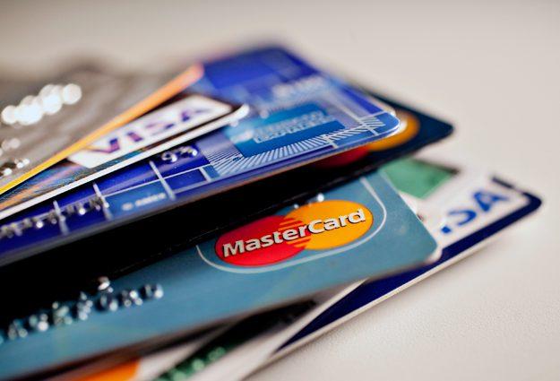 Нововведения от Нацбанка: украинцы больше не смогут свободно пользоваться зарплатными картами