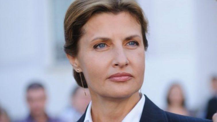 «Специально согнали всех председателей райгосадминистраций»: Марина Порошенко посетила Тернопольскую в балетках за 40 тыс.