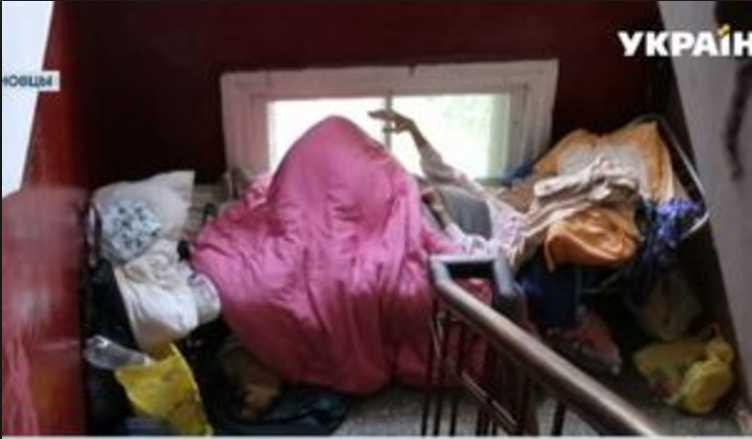 «Превратила квартиру в помойку, а 94-летнюю маму выгнала жить в подъезд»: Украину всколыхнула впечатляющая история