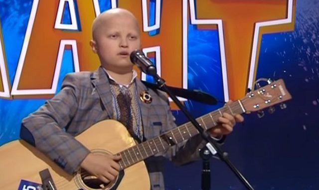 «За него молилась вся Украина»: Как сложилась судьба мальчика, перенесшего 15 химиотерапий
