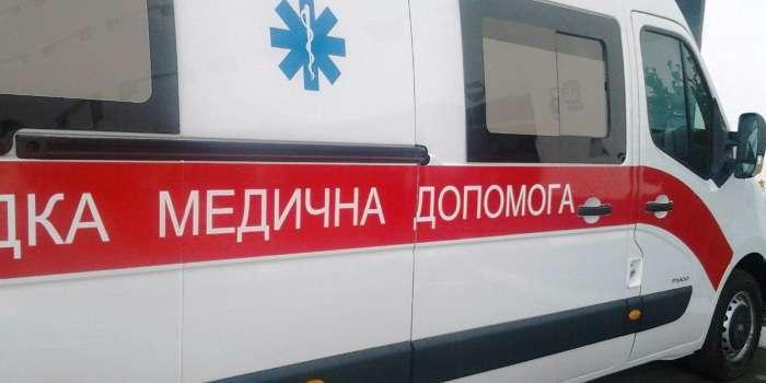 «Бил огнетушителем и ножом по лицу»: Неизвестный напал на врачей
