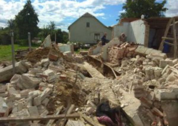 «Его тело из-под фундамента откапывали лопатами»: На Львовщине трагически погиб мужчина