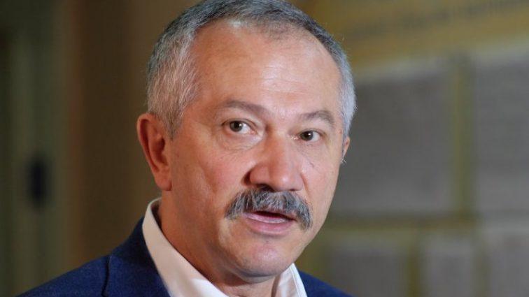 Прямо под Верховной Радой:  Нардеп Виктор Пинзеник сбил человека, подробности инцидента