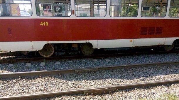 Скончался на месте инцидента: мужчина трагически умер под колесами трамвая