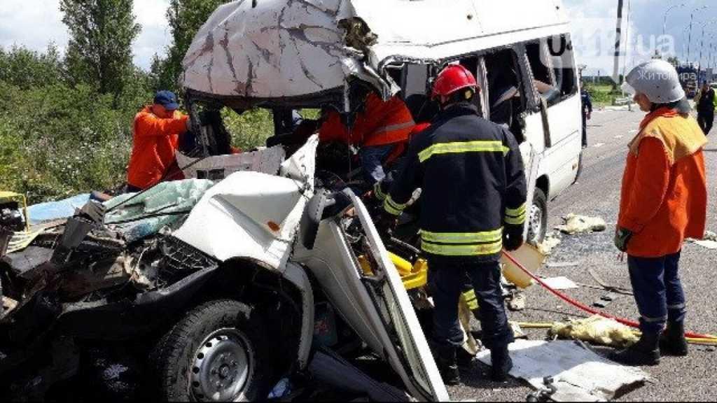 «Водитель маршрутки не имел права на перевозку пассажиров»: Появились новые подробности смертельного ДТП  в Житомирской области