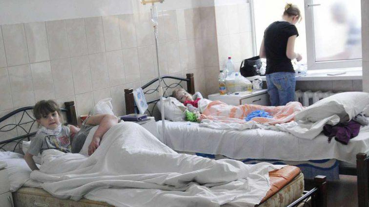 Названа причина массового отравления детей в лагере в Донецкой области
