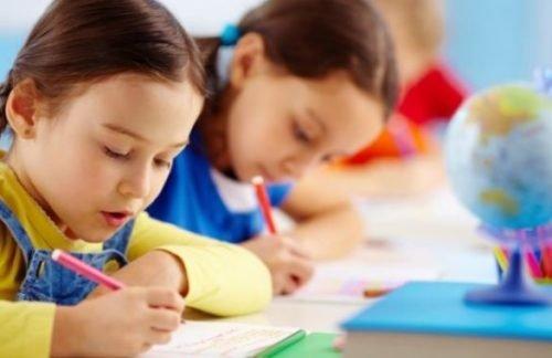 Дети в школах будут учиться по-новому: что нужно знать украинцам