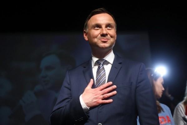 Президент Польши выступил с неожиданным обращением к украинцам