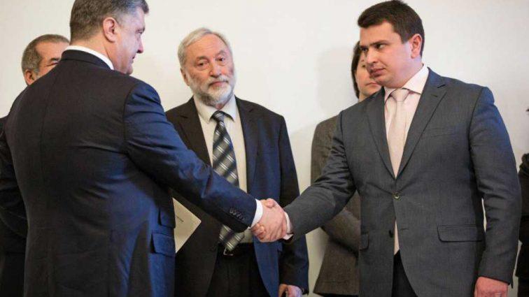 Одиозный нардеп призвал Холодницкого открыть уголовные дела против Порошенко и Сытника