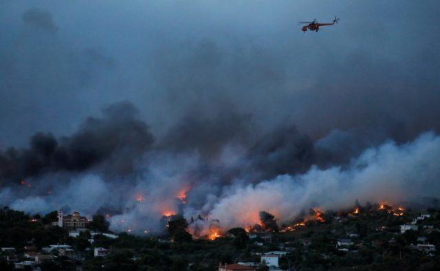 «Дети погибали на руках родителей»: Крупный пожар в Греции унесла жизни 83 человек
