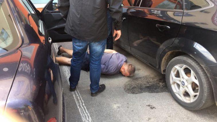 Требовал 6 тысяч долларов: В Виннице на взятке задержали прокурора