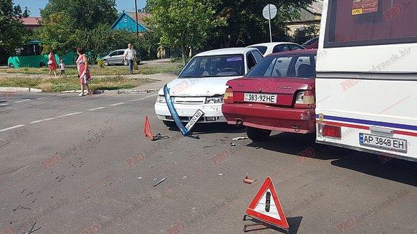 В Бердянске произошло тройное ДТП с двумя пострадавшими