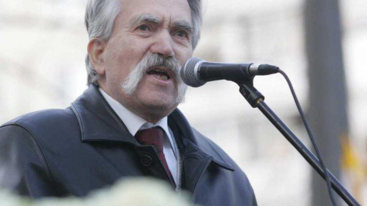 «Помолитесь и поставьте свечку»: Известный украинский диссидент-герой Украины Левко Лукьяненко попал в реанимацию