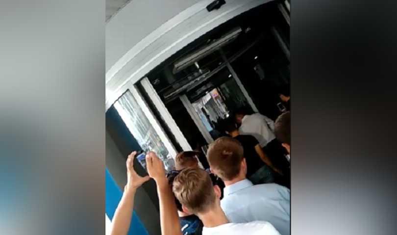 «Используя молодежь …»: В «Укравтодор» ворвались неизвестные. Что происходит в здании