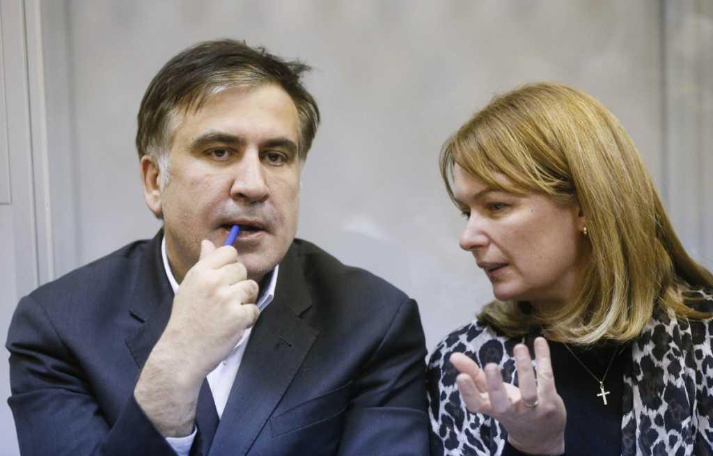 Разлука с мужем и кумовство с Ющенко: Куда пропала и что известно о жене Михала Саакашвили Сандре Руфолс