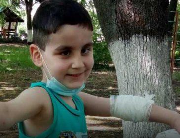 «Ждет долговременная и дорогостоящее лечение»: Тимур нуждается в вашей помощи, чтобы преодолеть рак крови