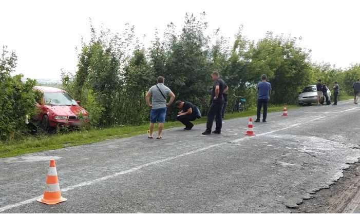 Смертельное ДТП в Ривненской области автомобиль на большой скорости сбил женщину с двумя детьми