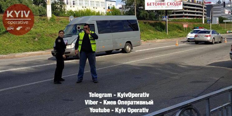 В центре Киева полиция попала в эпицентр громкого скандала на месте ДТП