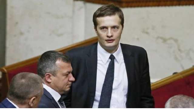«Даже при Януковиче такого не было»: Младший Порошенко поддержал диктаторский закон