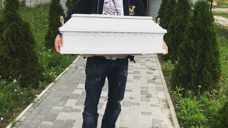 «Мой сын Вечный ангел»: У известного украинского боксера умер новорожденный сын. Мальчику было 2 недели