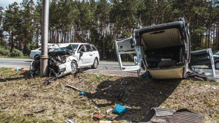 Смертельное ДТПв Конча-Заспе:Автомобили превратились в груду металла