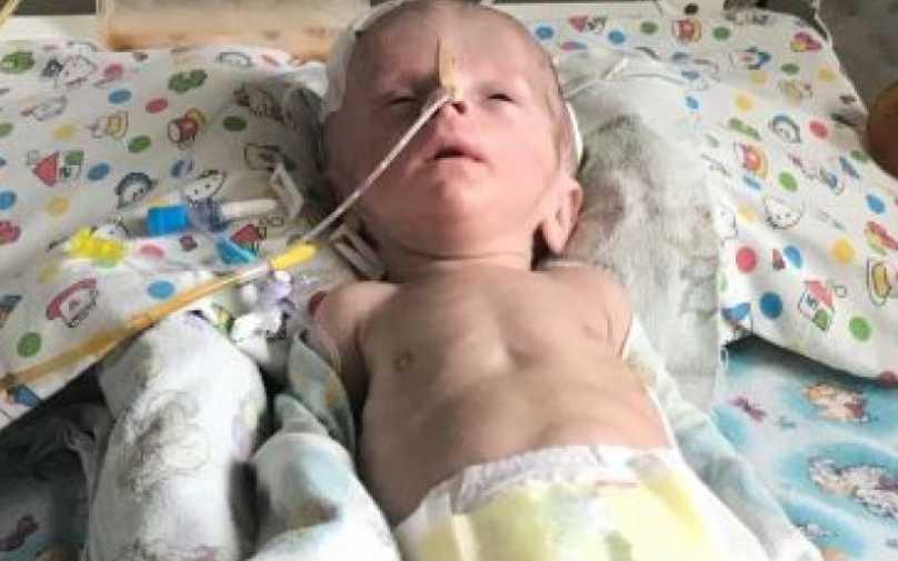 «Его жизнь ежедневно под угрозой»: Вашей помощи нуждается маленький Константин, которому всего три месяца