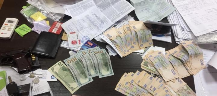 Поймали с поличным: СБУ задержало на взятке руководителя Балтского отдела полиции