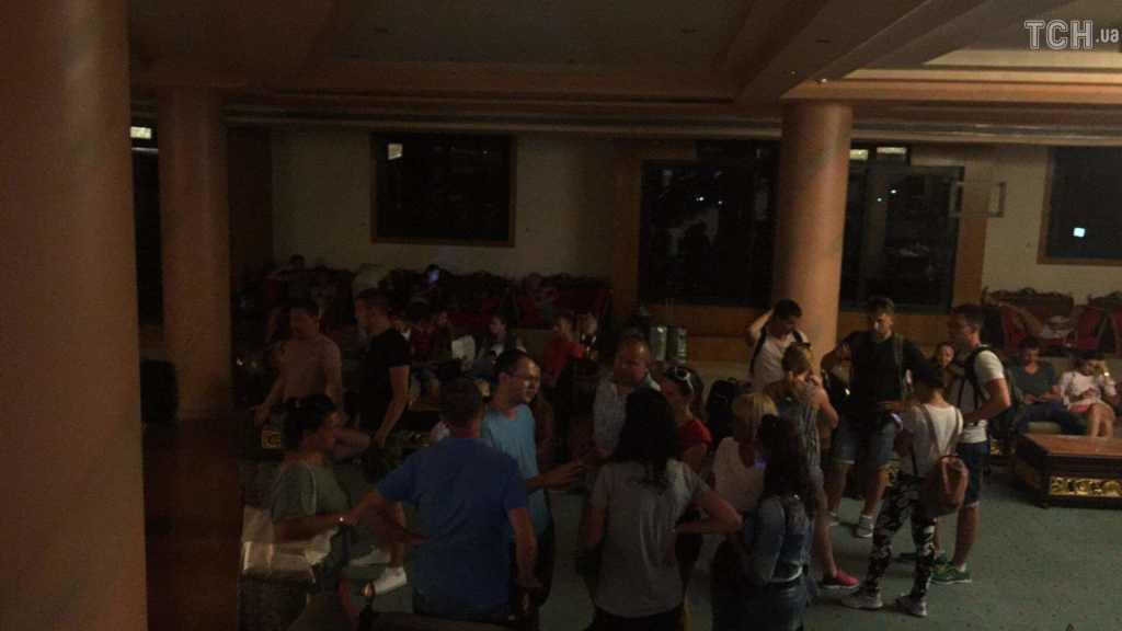 Без воды, еды и денег: более 200 украинцев застряли в Египте