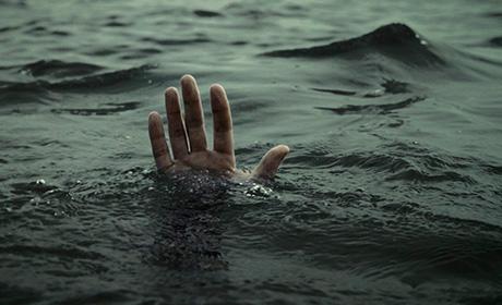 «Пыталась спасти своих внуков»: В Запорожье летняя женщина утонула в море