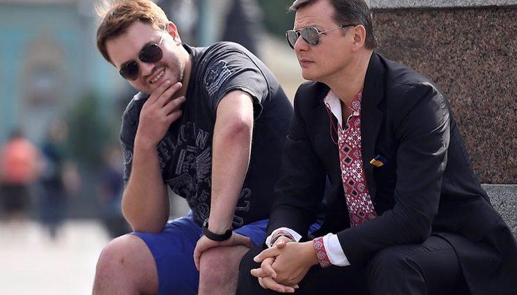 «Пьяные дебоши, ссора с Луценко и скандальная поправка о похоронах»: Что известно про правую руку Ляшко Андрея Лозового.