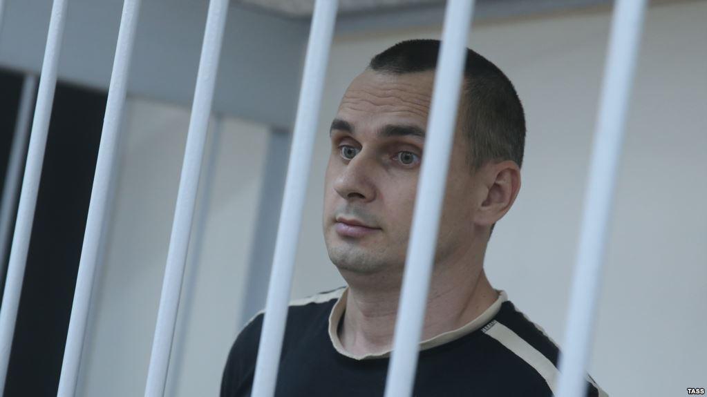 «Не так прекрасно, как может показаться»: Олег Сенцов рассказал в письме о своем состоянии