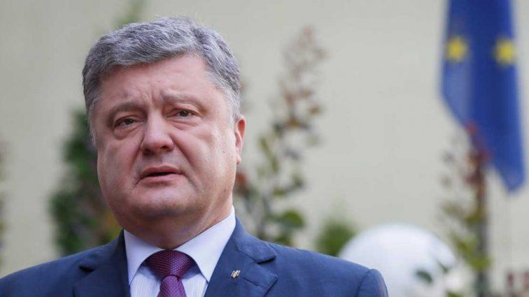 «Может уйти в отставку по состоянию своего здоровья»: Нардеп заявил о политических планах Порошенко