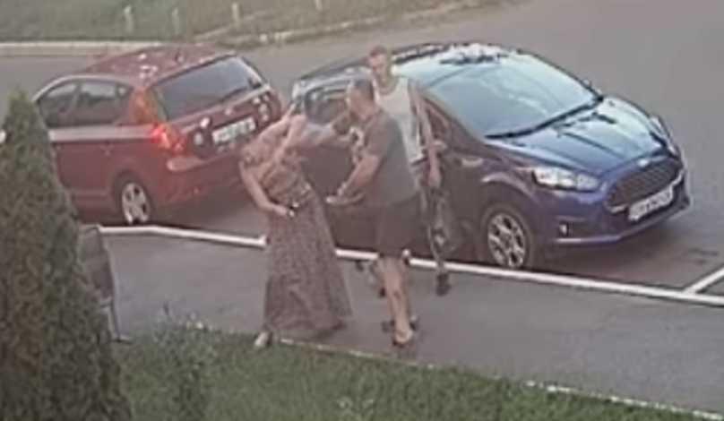 Женщина с сотрясением мозга и побоями: глава «Укроп» жестоко избил прохожую за замечания