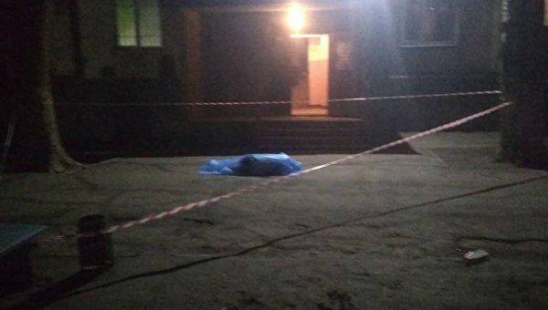«Оперся на москитную сетку» : В Запорожье двухлетний ребенок выпал из окна 8 этажа