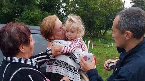 «Играла во дворе и исчезла»: В Черкасской области всю ночь искали двухлетнюю девочку