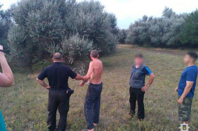 «Защищая животное, получила многочисленные ранения»: В Днепропетровской области разъяренный мужчина с ножом напал на женщину
