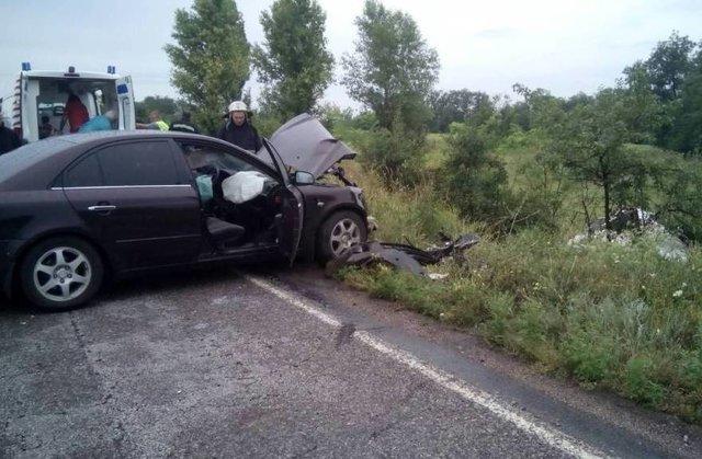 Смертельное ДТП в Днепропетровской области: два автомобиля на скорости столкнулись лоб в лоб