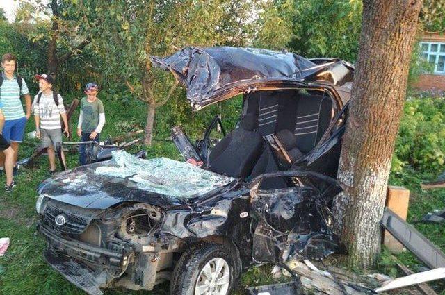 Жуткая ДТП во Львовской области: Водитель на большой скорости вылетел в кювет, есть жертвы