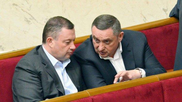 «Отмывали деньги из бюджета на фиктивном НДС»: Львовские налоговики разоблачили коррупционные схемы братьев Дубневичей