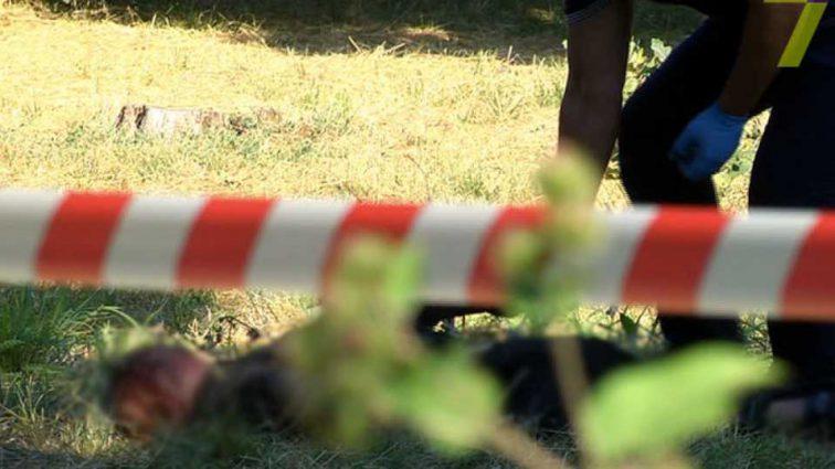 «На теле и голове были многочисленные следы побоев»: В поле обнаружили тело девушки, которую избили до смерти и жестоко изнасиловали