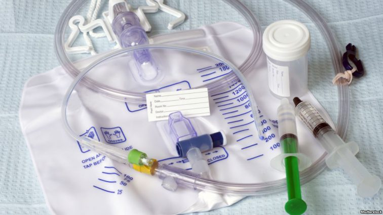 Медсестер «Охматдита» обвиняют в присвоении лекарств на 3 миллиона гривен