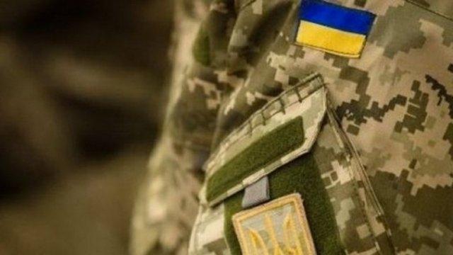 «Вывезли в лес и заставляли копать яму»: солдат рассказал об издевательствах в военной части на Львовщине