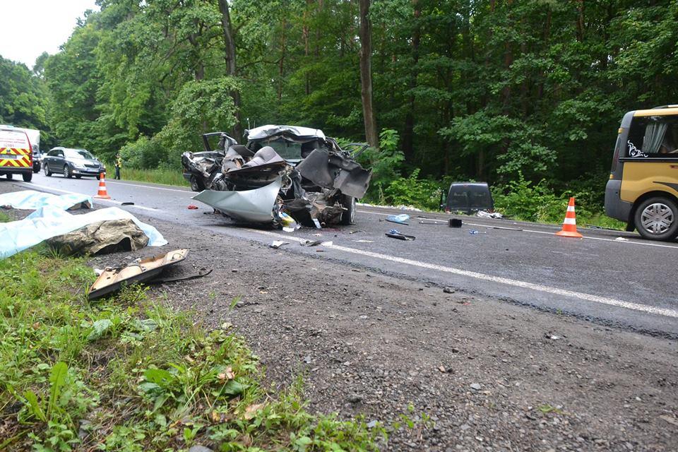 Смертельное ДТП во Львовской области: В одном из авто находились военные, подробности