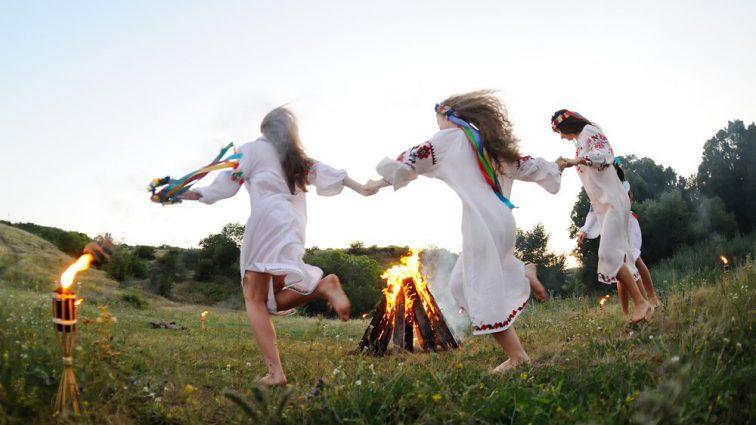 «Пробуждение злые духи и темные силы»: Что запрещено делать в сегодняшнюю ночь, перед праздником Ивана Купала