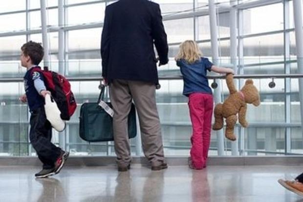 Новый закон о вывозе ребенка за границу: Как правильно действовать и что нужно знать родителям