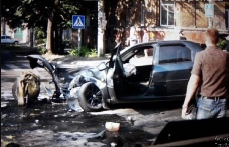 Смертельное ДТП в Мариуполе: полностью сгорел легковой автомобиль, множество пострадавших